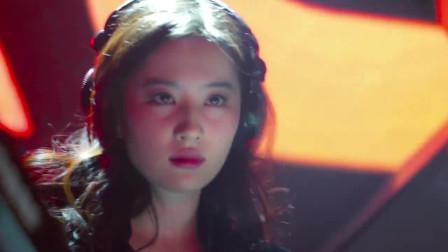 一首《选择失忆》DJ版,爆红网络,配合刘亦菲的热舞,简直太棒了