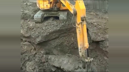 啥都不说了,这个挖掘机司机一定得给我留下来!