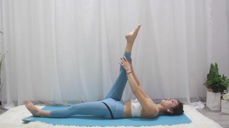 瑜伽老师喊你来练腿,夏天到了,这个露腿的季节,你准备好了吗?