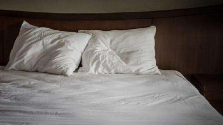 为何酒店单人床要放2个枕头?看完才知道其中的奥妙!