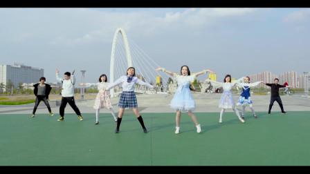 """内蒙古兴安盟乌兰浩特市,美女公园""""触摸天空""""我们内蒙真的不全是草原!"""