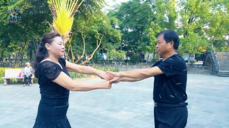 朴实好听《阿哥阿妹》广场舞,少数民族歌曲的代表作