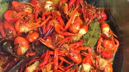 麻辣小龙虾的家常做法,干净卫生吃着放心,比饭店做的还香