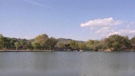 芝径云堤是康熙三十六景的第二景,仿杭州西湖苏堤!