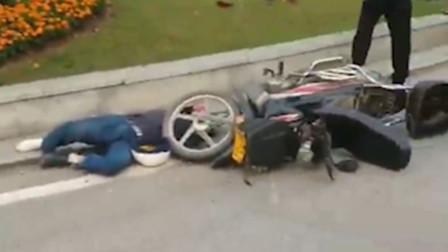 【重庆】货车与摩托车相撞 摩托车驾驶员倒地不起