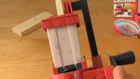 世界上最硬的冰棍,商家免费配置刨冰机,网友:这样吃没有灵魂