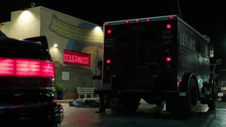 好莱坞最新火爆动作片,悍匪抢劫运钞车,这身装备比肩特种部队