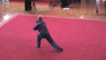 70岁老拳师演练兰州地方武艺八门展,行家一出手,便知有没有
