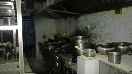 浙江一餐厅厨房油锅起火 厨师用水灭致火势扩大被拘