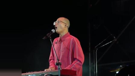 原创现场版的《浪子回头》,茄子蛋凭借这首歌火遍了全国