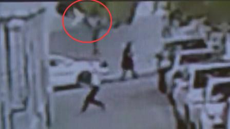 生死10秒!小伙徒手接住坠楼幼童当场被砸晕
