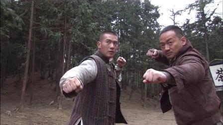 日本军官不自量力,想一打两,哪知对手都是一等一的民间高手