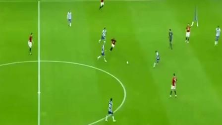 C罗无视一切防守,一脚远射将球攻破球门,全场观众们都沸腾了!