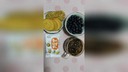 桃胶羹坚果蓝莓饼干燕麦脆