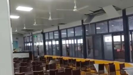 武汉一高校食堂垃圾排水管堵塞造成天花板坍塌