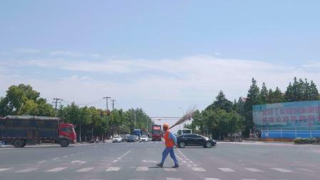 在上海,浦东外环高速开往川沙新镇