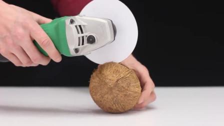 A4纸能切开椰子?这怎么可能,老外:这很有可能!