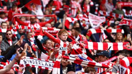 【第一现场】别人家的球迷文化 英甲附加赛火爆程度堪比欧冠