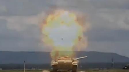 这是什么新式导弹?感应的?都不用撞击目标了?