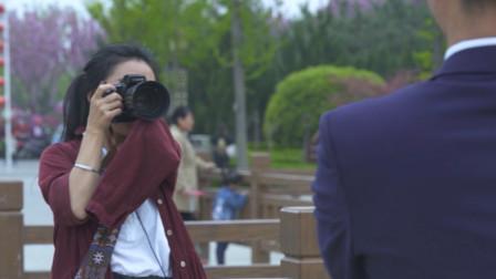 她2岁失去一只手,23岁艰苦学摄影,把爱都融进了照片里!