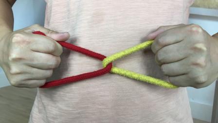 两手不碰绳头,如何才能让两条绳子串联在一起?学会后骗朋友玩
