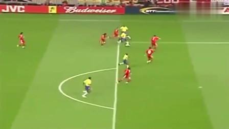 罗纳尔多职业生涯诡异的进球,这些诡异球,到底是怎么做到的?