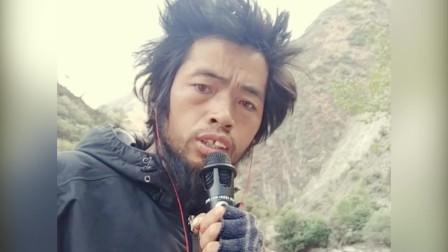 """胡子哥唱""""千千阙歌"""",你可能不信他会唱得很好听!"""