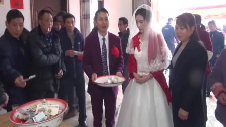 江西农村结婚,礼金一会就收一脸盆,比上班来的快呀!