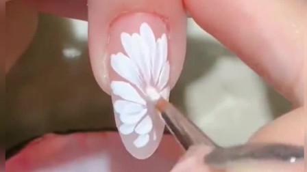 美甲达人:盛开的层叠雏菊,小清新美甲教程,简单易学哦