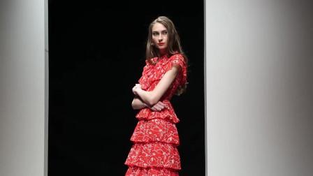 2019夏装新款欧美时尚几何印花裙子收腰显瘦中长荷叶蛋糕连衣裙