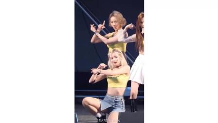 韩娱饭拍现场-美女的头发甩得不错,用的是大马力的鼓风机?