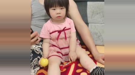 小萝莉:这就是让爸爸带娃的后果,脱下袜子的那一刻,我要崩溃了