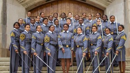 34名非裔女性:西点军校最多元化毕业年