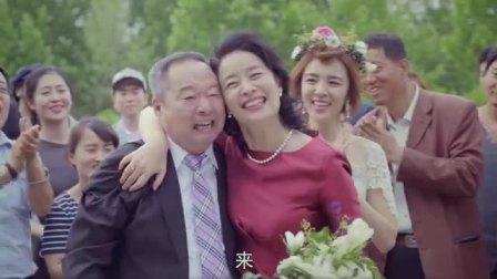 王小米结婚现场,前男友抢风头,闺蜜抢风头,现在连亲妈都上了!