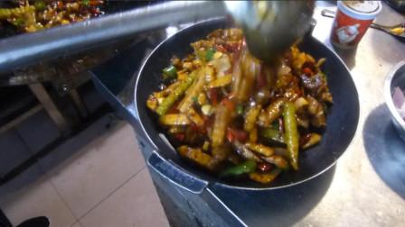 干锅怎么做才好吃,教你一个配方,不用炒料也能做出饭店的味道