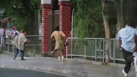 志在出位:钟镇涛偷了欢喜哥的钱包,被欢喜哥追了几条街