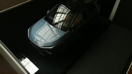 实拍国产新能源SUV:蔚来ES8车模1:18汽车模型