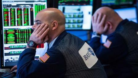 美股集体收跌道指跌超220点 蔚来汽车跌近10%