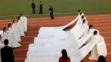 学校运动会,掀起一股汉服风,操场的卫生就靠你们了