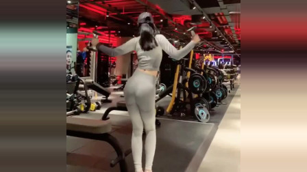刚到健身房,无意就拍下这一幕,这位小姐姐操作太秀了