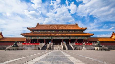 故宫, 是中国明清两代的皇家宫殿,被誉为世界五大宫之首