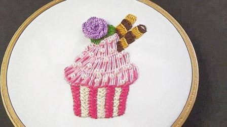 手工刺绣教程,纸杯蛋糕图案的刺绣方法,简单又有创意!