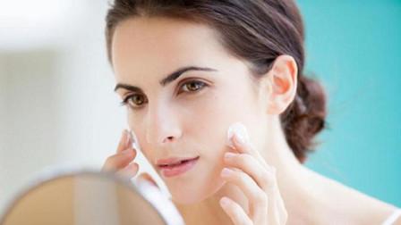 脸部经常出油的人,护肤时容易出现3个误区,你做对了吗?