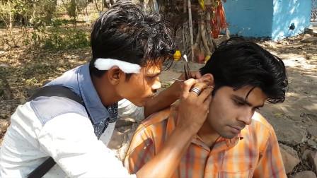 印度小哥街头给路人挖耳朵看这么一大堆耳屎网友好满足