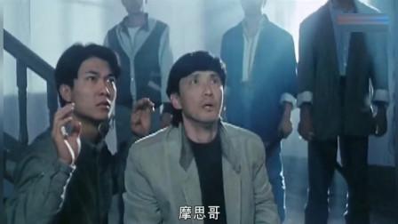 《八宝奇兵》精彩片段,八宝对抗张耀扬(乌鸦还是那个乌鸦)