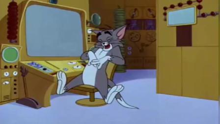 猫和老鼠  汤姆和杰瑞非要用智能机械化对决,最后被机器反机械化了,好惨