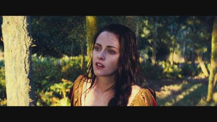 白雪公主的故事我们都听过,但是这部电影的全新情节也同样很精彩,最后白雪公主统治了世界。