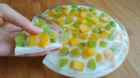 教你用白凉粉做果冻,晶莹剔透、清凉爽滑,天热来一口,太爽了