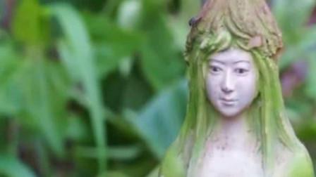 """泰国出现罕见""""女人树"""",果实形状和女人相似,游客:真的假的?"""