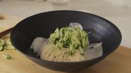 《韩国农村美食》豆汤面条和鸡蛋沙拉三明治,看着好有食欲